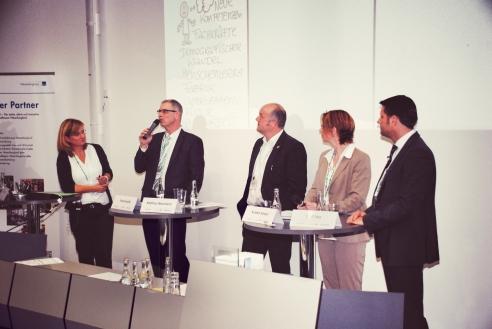 Podium Moderation Industrie 4.0 mit dem Wirtschaftsminister Lies